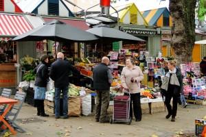 Der Markt von Norwich bietet nicht nur Lebensmittel.