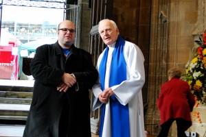 Einer der Ministranten (ja, das kann man offensichtlich auch noch im fortgeschrittenen Alter machen) hat sich mit uns nach der Messe nett unterhalten.